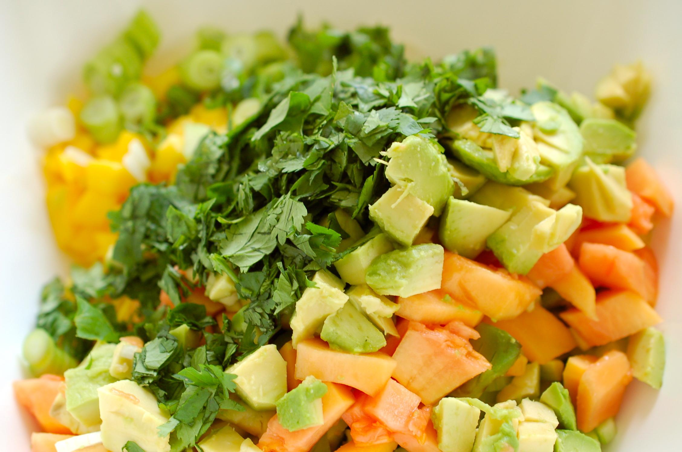 avocado obst salsa salat ist mein liebster sommersalat sommerrezept. Black Bedroom Furniture Sets. Home Design Ideas