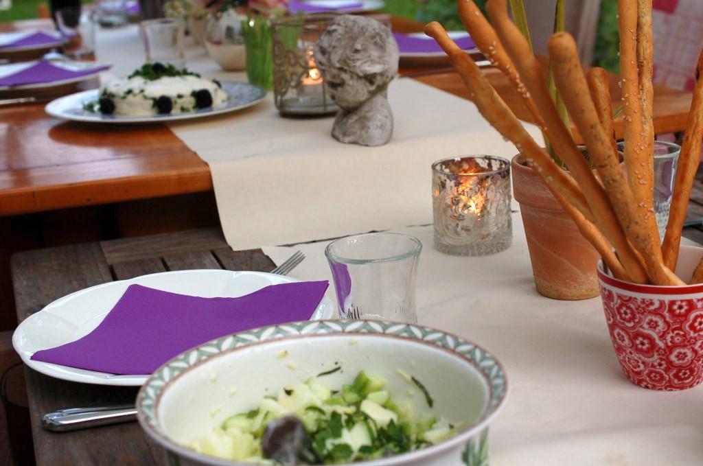 Apfel gurken minze salat nach lea linster frische k che - Gurken dekorativ schneiden ...