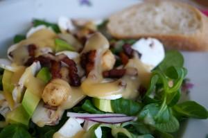 Feldsalat mmit warmer Kartoffelvinaigrette