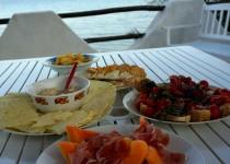 Thunfisch-Dip zu sardischem Carasau