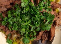 Rindfleisch asiatisch mit Lauch und Koriander