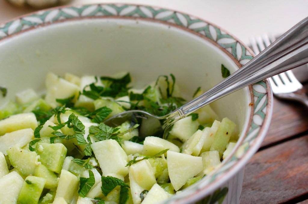 Apfel-Gurken-Minze Salat