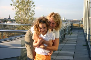 Vor vielen Jahren - die Nicknamegeberin mit ihrer Tante Tine ;-)